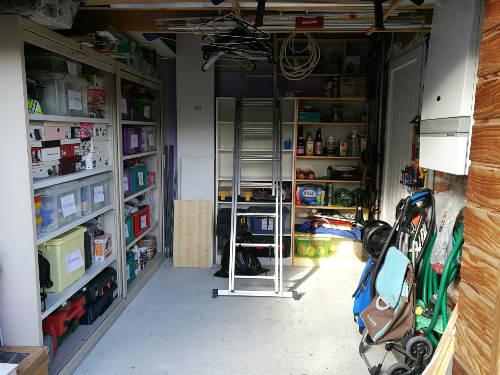 Séance de rangement : garage organisé